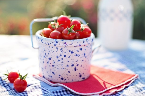 cherry-tomatoes-2566454_640