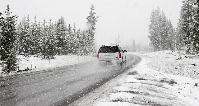 snow-1281636_640